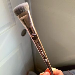 Wet & Wild Makeup Brush